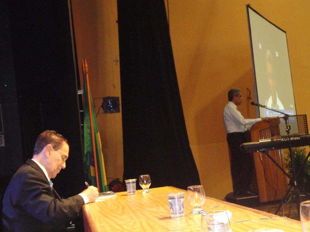 Salvador-Presidente FEEB abre Congresso
