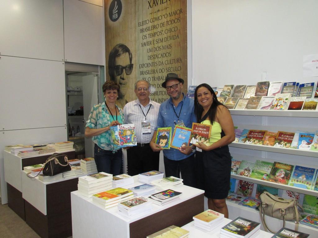 Estande FEB-Visita Adeilson Salles