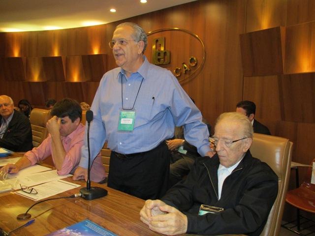 CFN-Presidente FEB homenageia Nestor